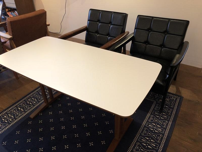 カリモク60+カフェテーブル1200 W118.0D59.0H60.0cm 59,940円(税込)