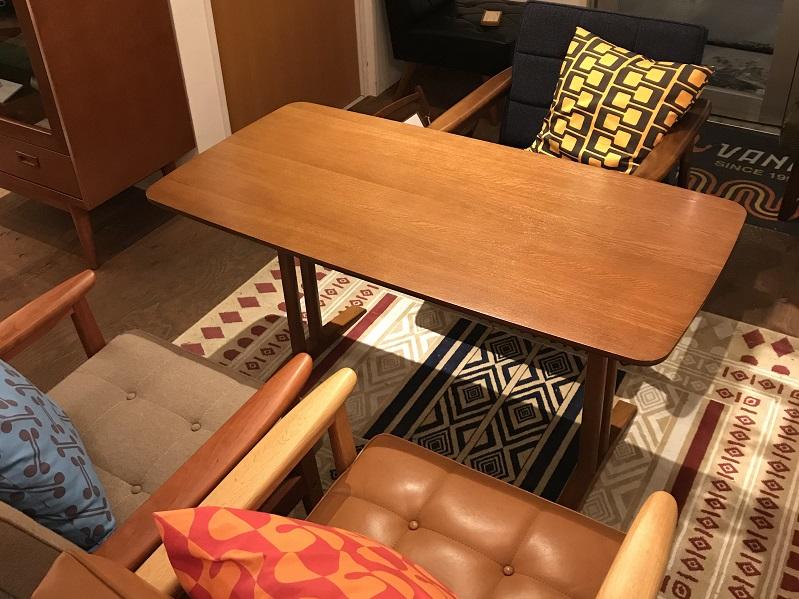 カリモク60+カフェテーブル1200 ウォールナット 61,560円(税込)