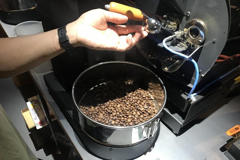 できたてホヤホヤのコーヒー豆