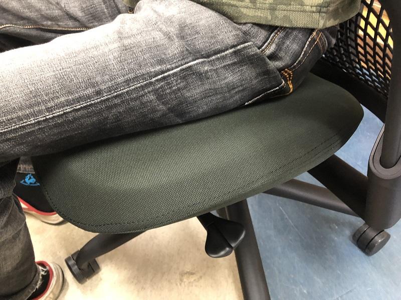 セイルチェアの座面はウレタン