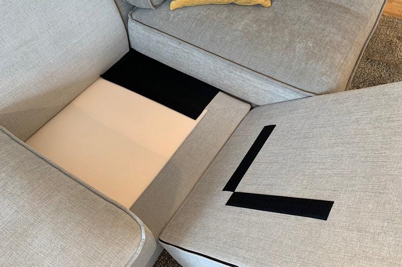 左上:ソファの連結にはジョイントシート/右下:シートの固定はマジックテープ