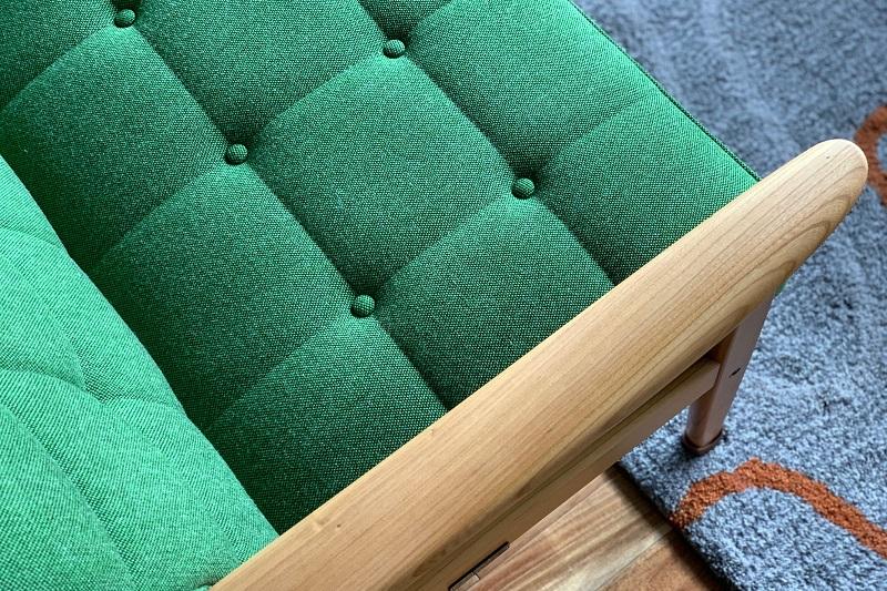 和のケヤキとタープグリーンのコントラスト