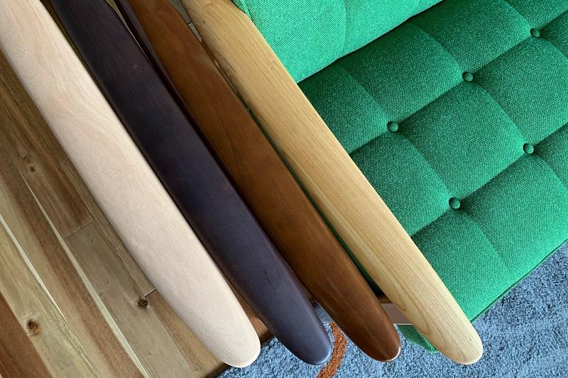 左から、ピュアビーチ色/モカブラウン色/ウォールナット色/ケヤキ