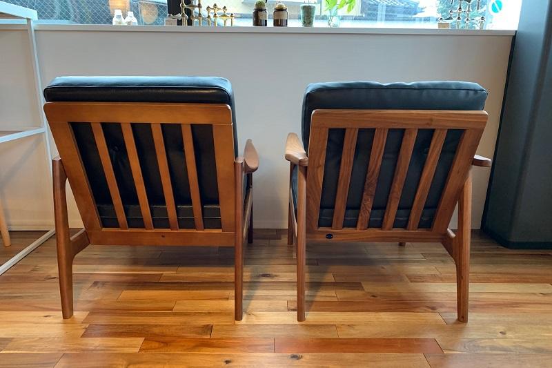 左(カリモク60):右(マルニ60)