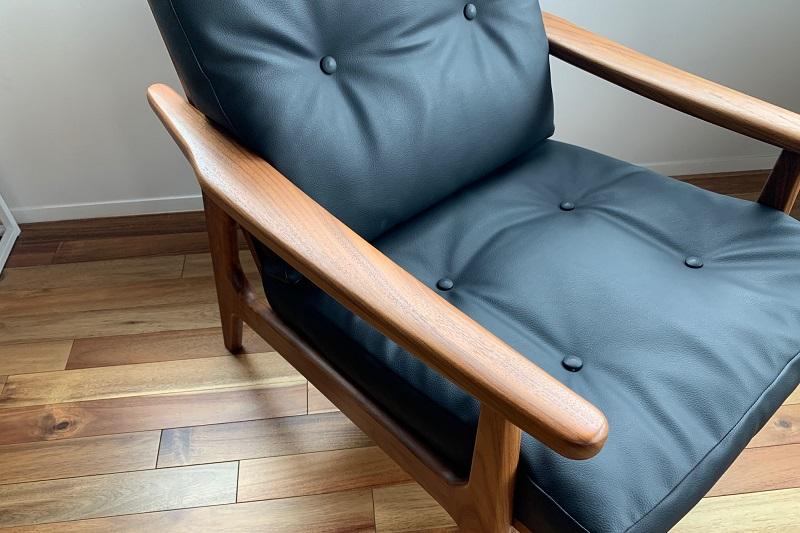 マルニ60ほぼ真っ直ぐなアームデザイン